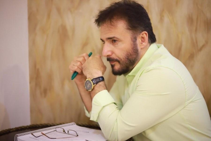 «سیدجواد هاشمی» کارگردان مسابقه ای با حضور چهرههای سرشناس