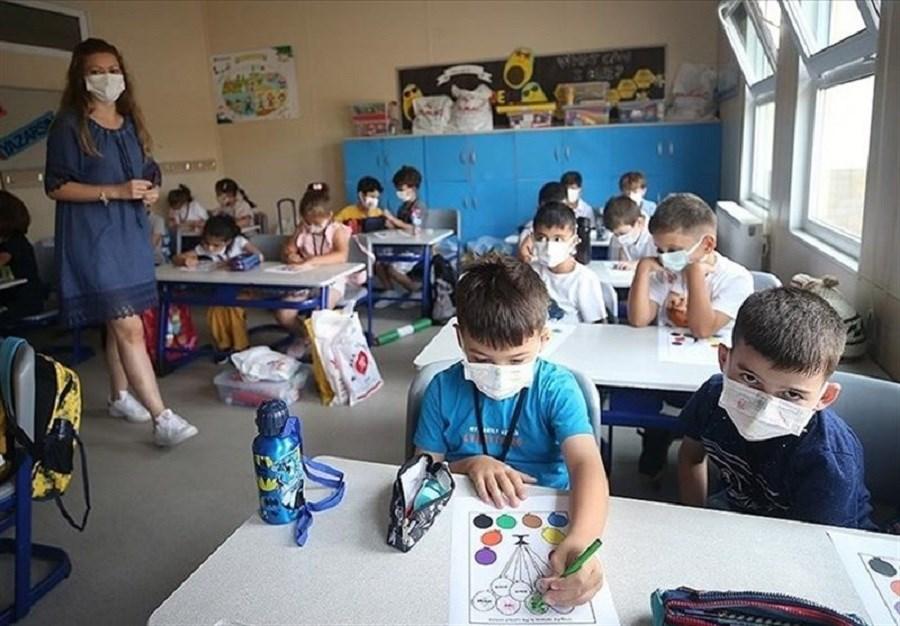بازگشایی مدارس در  این کشور!