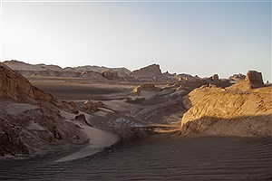تصویر  سفر به سرزمین ستاره و سکوت در زمستان