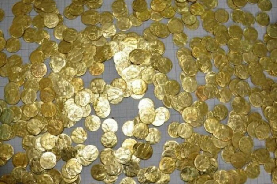 کشف 96 سکه تقلبی درالیگودرز/ مردم مراقب پیامک های مشکوک باشند