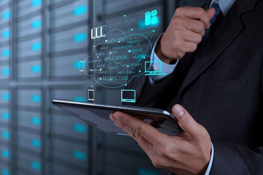 مزایا و تأثیرات هوش مصنوعی در تجارت الکترونیک چیست؟