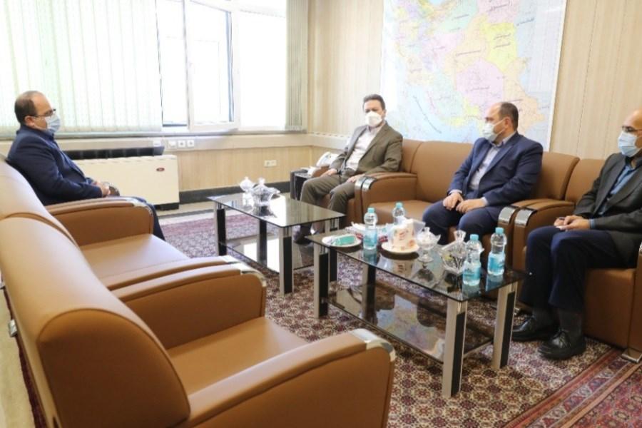 تصویر بازدید عضو هیات مدیره بانک ملی ایران از اداره کل آموزش