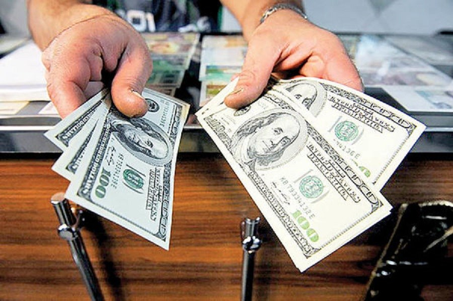 تصویر اثر حضور گروسی در بازار ارز