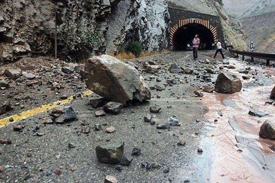 احتمال ریزش سنگ در جاده های مازندران