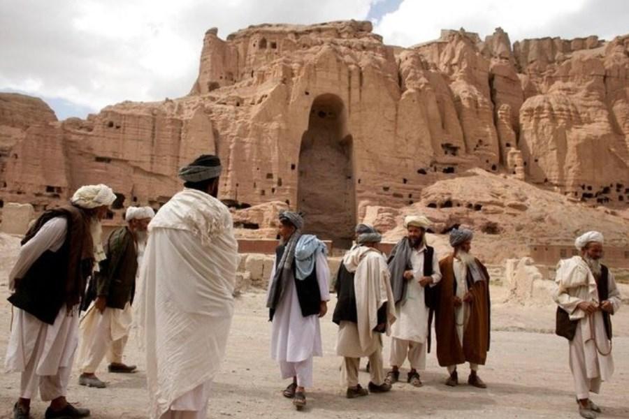 طالبان در حال تخریب آثار باستانی افغانستان +ویدیو