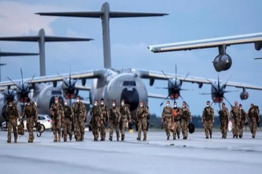 سیل مخالفان و وضعیت آشفته بایدن در پی خروج فاجعه بار آمریکا از افغانستان
