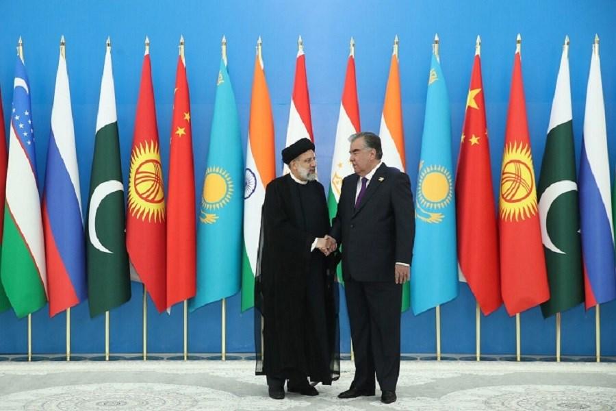 تصویر استقبال رسمی امامعلی رحمان از رئیسی در کاخ ریاست جمهوری تاجیکستان