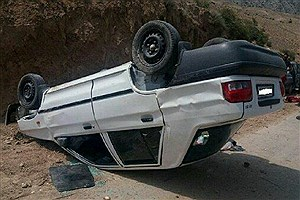 تصویر  یک کشته و ۲ زخمی در پی واژگونی خودرویی در خرم اباد