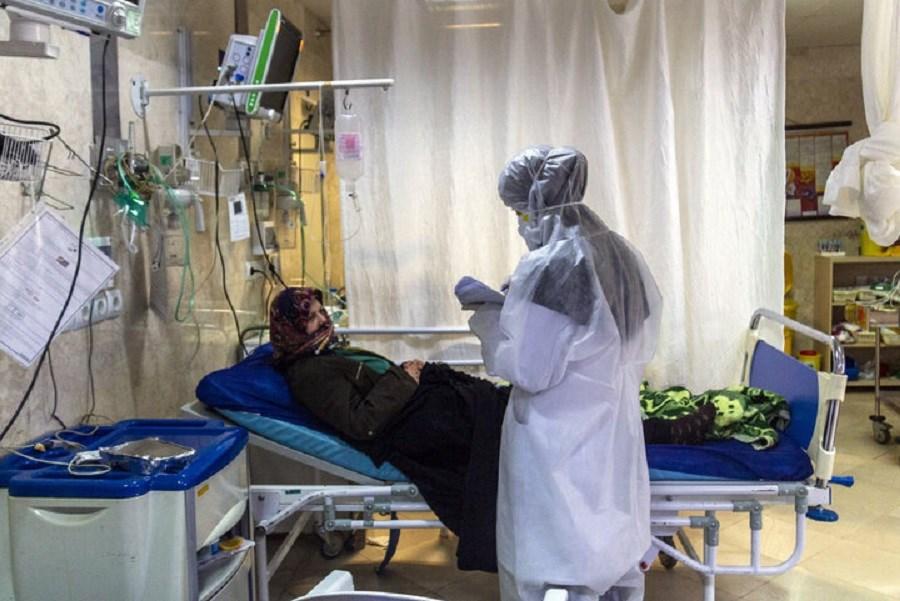 کرونا در ایران رو به کاهش است