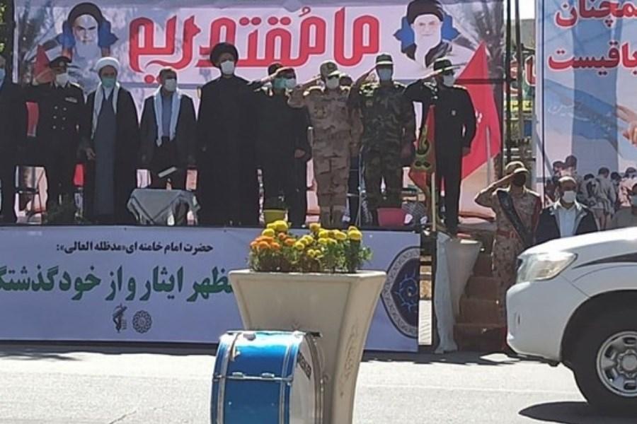 تصویر رژه خودرویی نیروهای مسلح در اردبیل