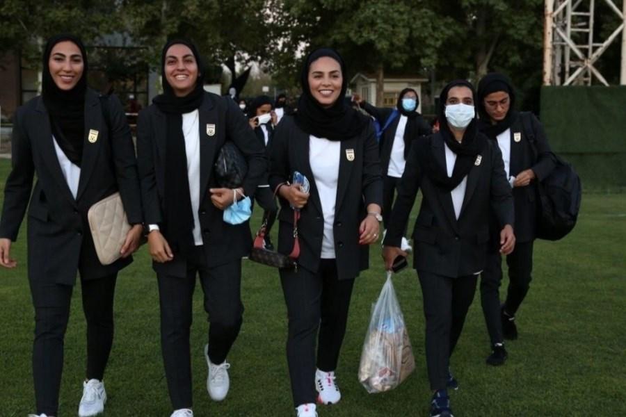 تصویر جنجال لباس ورزشکاران تیم ملی فوتبال زنان