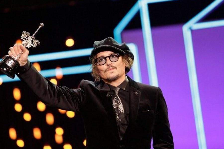تصویر جایزه جشنواره سنسباستین به «جانی دپ» رسید