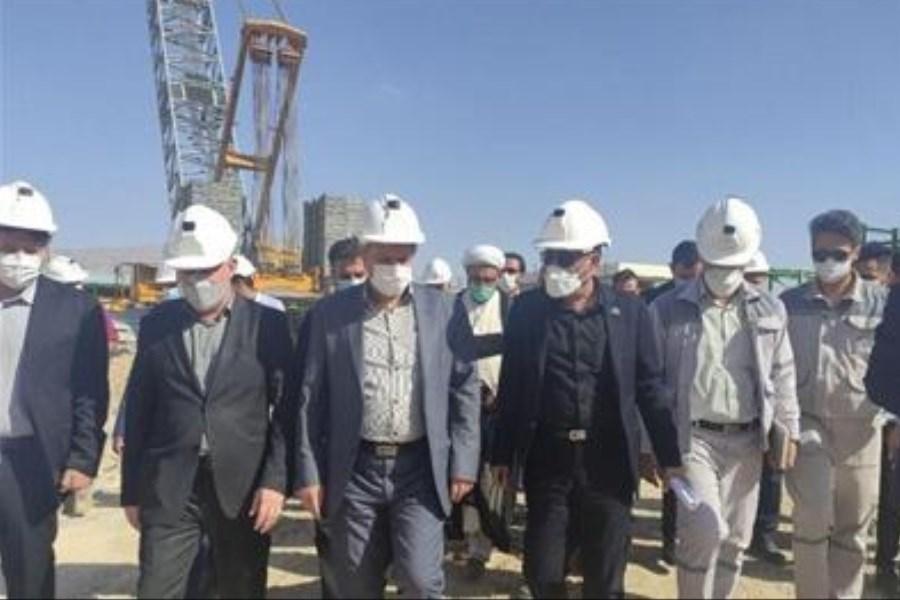بازدید وزرا از طرح های تولیدی تأمین مالی شده بانک صنعت و معدن در ایلام