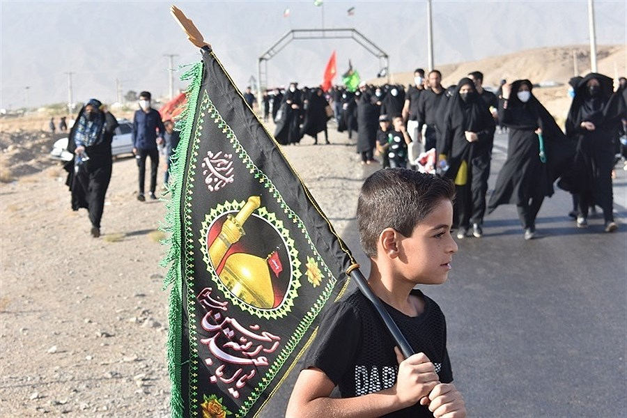 پیاده روی جاماندگان اربعین حسینی در یزد به روایت تصویر