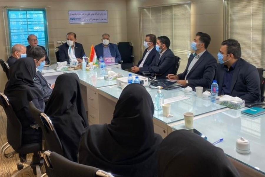 تصویر بازدید مدیرعامل شرکت بیمه دی از شعبه مشهد