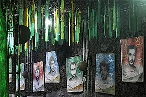 """تصویر  تصاویری از نمایشگاه """"مرد میدان"""" به مناسبت هفته دفاع مقدس"""