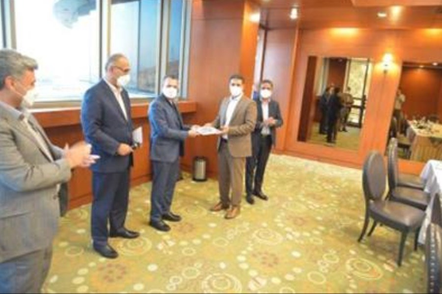 مدیر استانی بانک صنعت و معدن در استان فارس معرفی شد