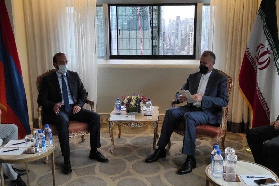 دیدار وزیر امور خارجه کشورمان با همتای ارمنی اش