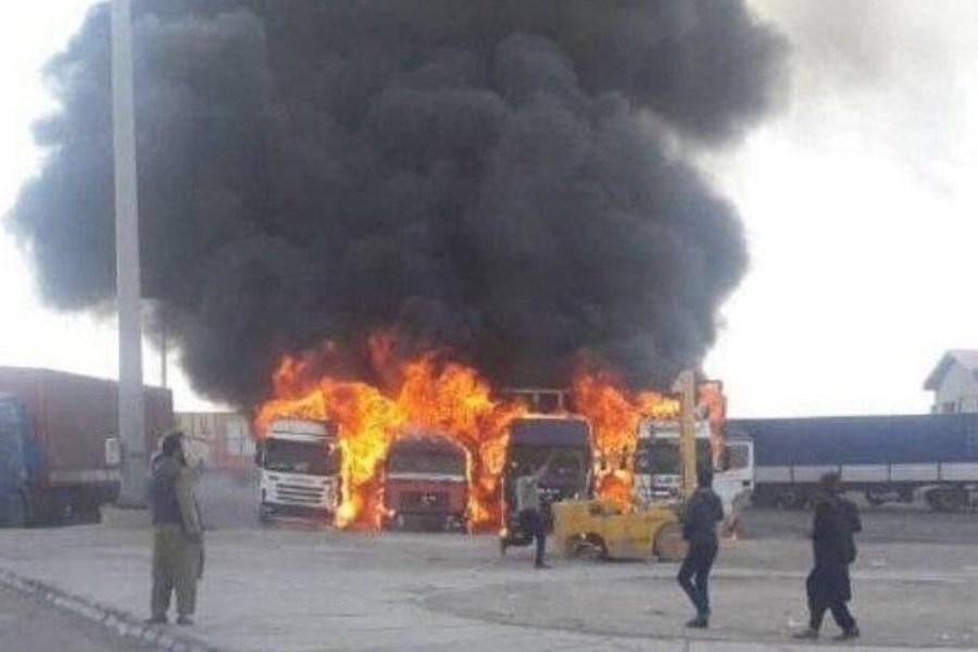 آتشسوزی گسترده در گمرک دوغارون+ فیلم