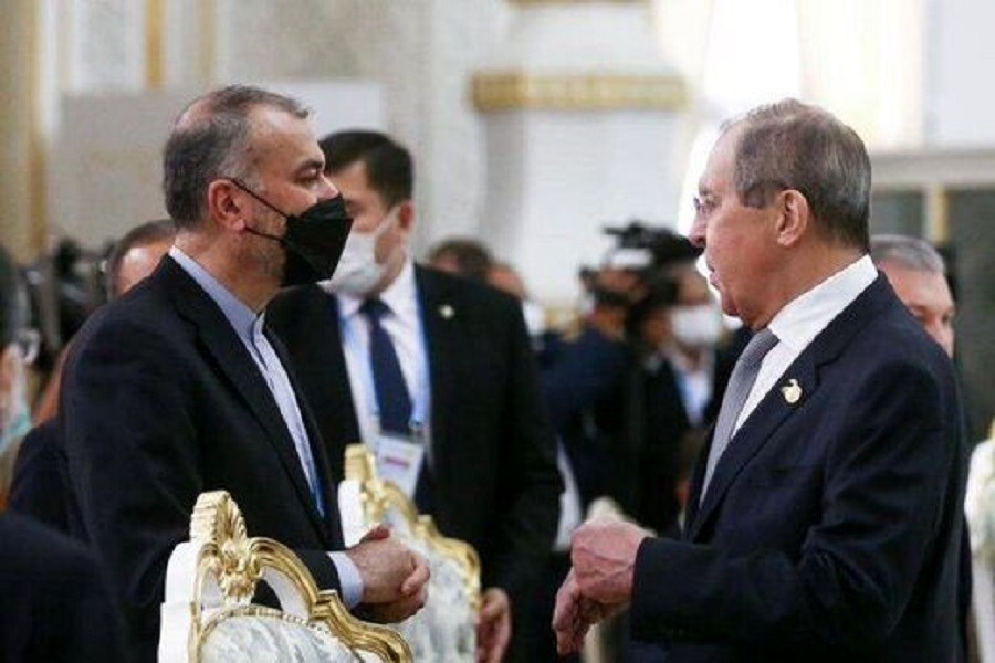 تصویر دیدار و رایزنی وزیر امور خارجه کشورمان با همتای روسی خود