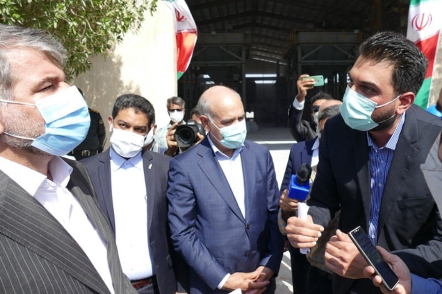 بازدید مدیر عامل بانک کشاورزی از کارخانه تولید کودهای فسفاته در شهرک صنعتی بوشهر