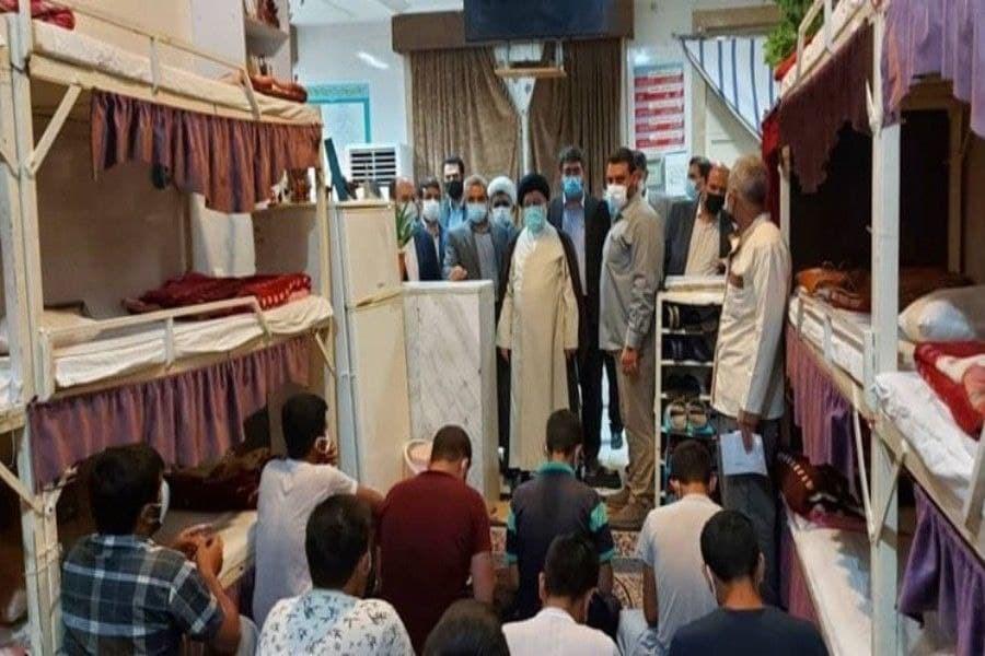 بازدید سر زده رئیس کل دادگستری استان فارس از زندان جهرم