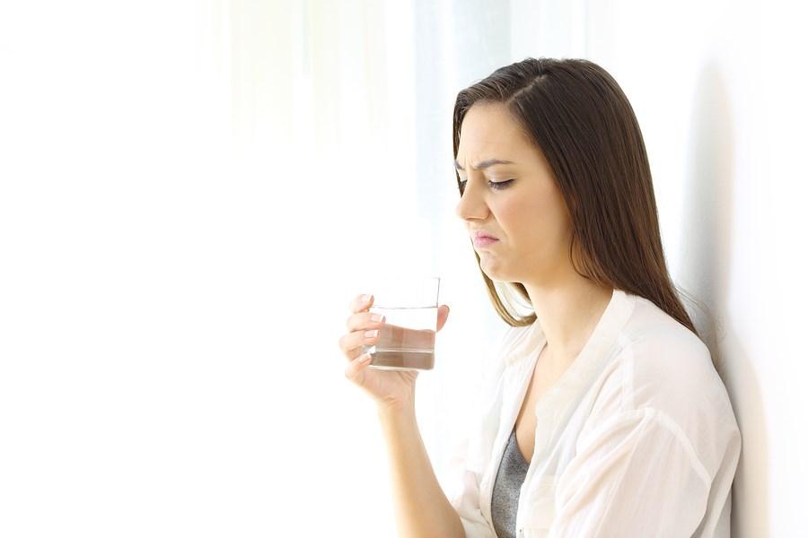 چرا طعم فلز در دهانمان حس می کنیم؟