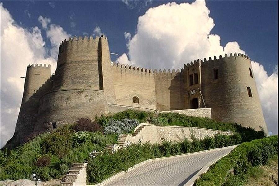 صدور سند برای قلعه فلک الافلاک