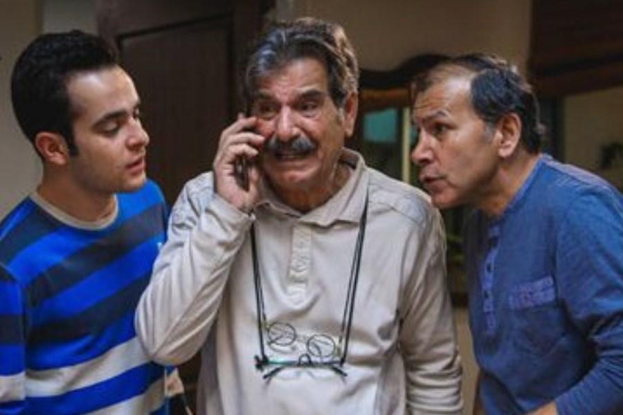 فرزند عزت الله مهرآوران: پدرم سینوفارم زده بود