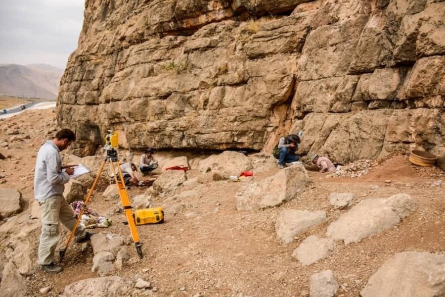 تعیین عرصه و حریم در مجموعه غار و پناهگاه صخرهای باوه یوان