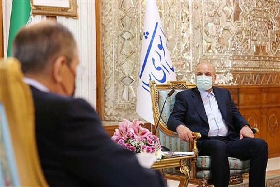 سرانجام توافقات باید لغو تحریمها باشد/ انتفاع اقتصادی ایران در برجام فقط روی کاغذ نباشد