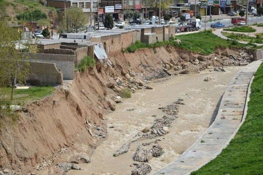 تصویر آغاز رفع تصرف در حریم رودخانه شهرچای ارومیه