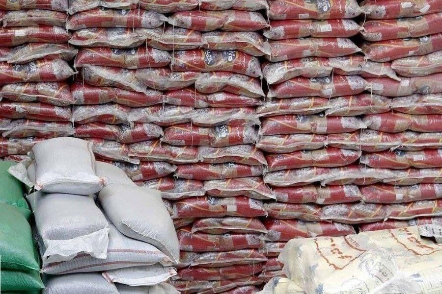 بیش از ۷۶۰۰ تن شکر و برنج در استان توزیع شده است