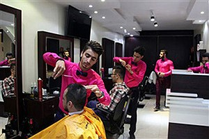 تصویر  درآمد میلیونی آرایشگران / نبود نظارت عامل افزایش قیمت در صنف پیرایشگران