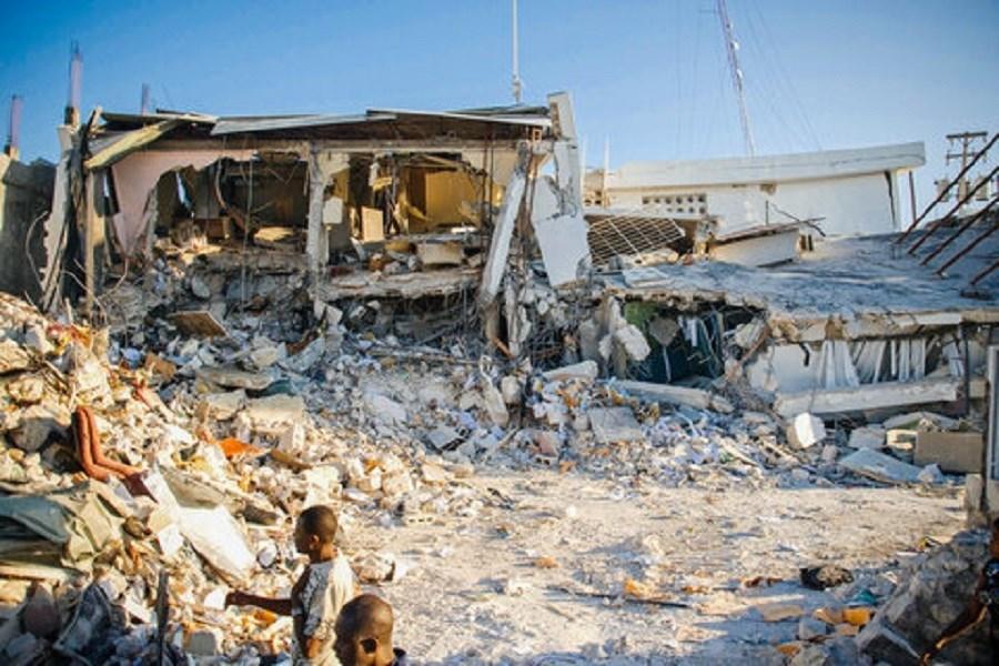تصویر وزیر کشور دستور بازدید از مناطق زلزله زده را صادر کرد