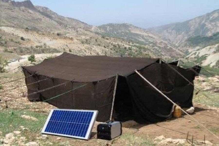 تصویر ۱۳۰۸ پنل خورشیدی برای تأمین برق عشایر لرستان اختصاص داده خواهد شد