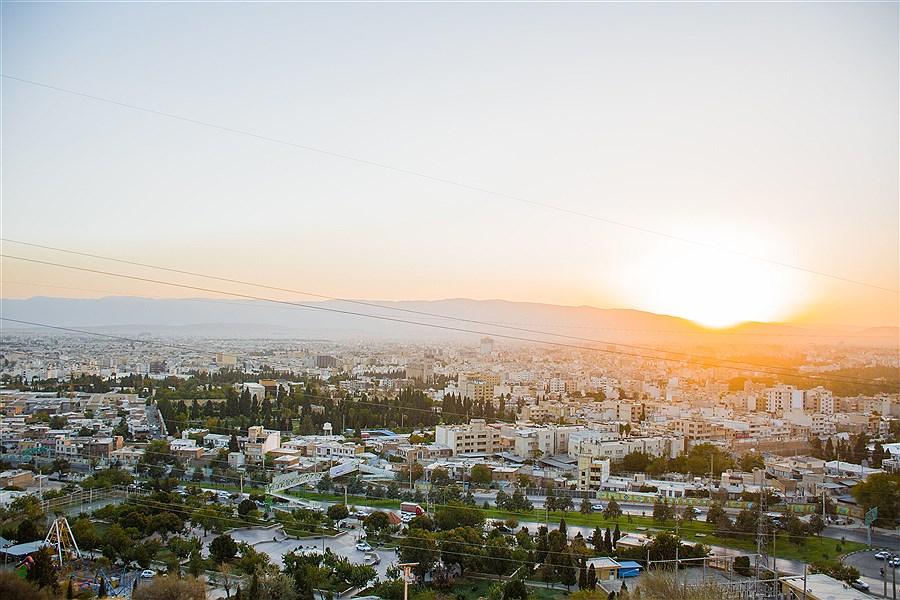تصویر غروب زیبا در بام شیراز