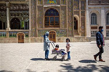 تصویر بازدید گردشگران نوروزی از کاخ گلستان