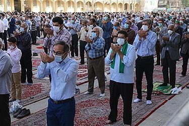 تصویر اقامه نماز عید فطر در دارالعباده یزد به روایت تصویر
