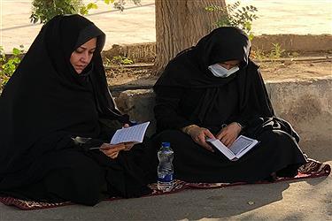 تصویر برگزاری دعای عرفه در قبرستان قدیمی هرهر یزد