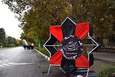 تصویر پیاده روی جاماندگان اربعین حسینی در مشهدالرضا
